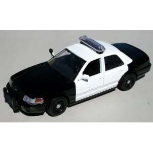 24 2007 Ford Crown Vic Police Car BLACK & WHITE Blank Toys & Games